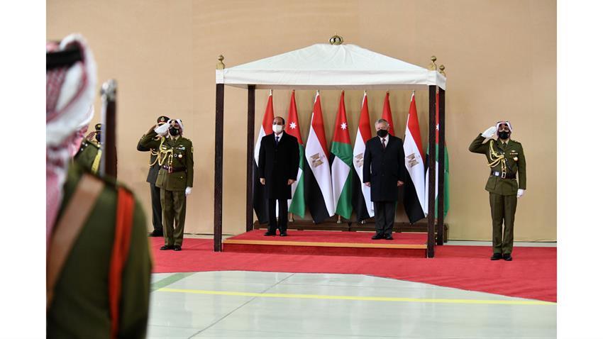 الرئيس عبد الفتاح السيسي يصل إلى المملكة الأردنية الهاشمية