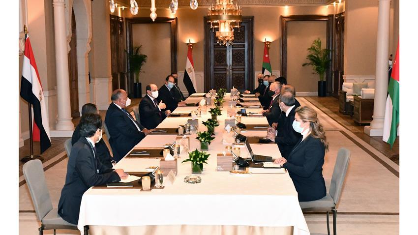 الرئيس عبد الفتاح السيسي يلتقي بملك المملكة الأردنية الهاشمية