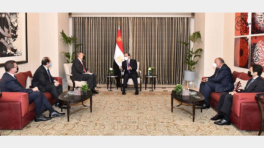 الرئيس عبد الفتاح السيسي يلتقي رئيس الوزراء الأردني