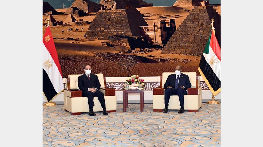 الرئيس عبد الفتاح السيسي يلتقي رئيس مجلس السيادة الانتقالي السوداني