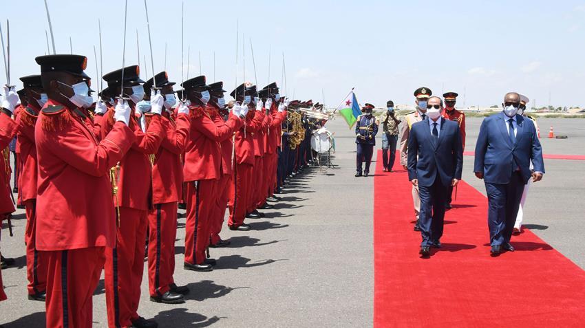 الرئيس عبد الفتاح السيسي يصل إلى دولة جيبوتي لعقد جلسة مباحثات ثنائية مع رئيس جيبوتي