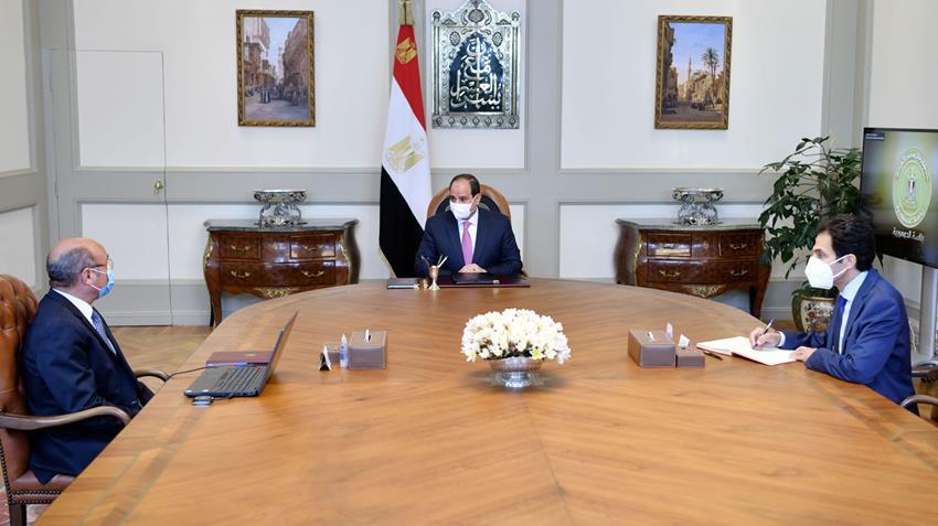 الرئيس عبد الفتاح السيسي يجتمع بوزير العدل