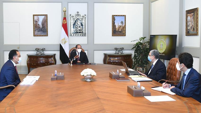 الرئيس عبد الفتاح السيسي يجتمع برئيس مجلس الوزراء ووزير الكهرباء والطاقة المتجددة-