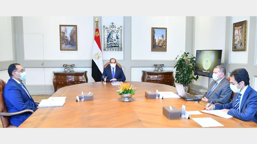 الرئيس عبد الفتاح السيسي يجتمع برئيس مجلس الوزراء ووزير قطاع الأعمال العام