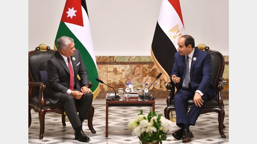 الرئيس عبد الفتاح السيسي يلتقي ملك المملكة الأردنية الهاشمية في العاصمة العراقية بغداد