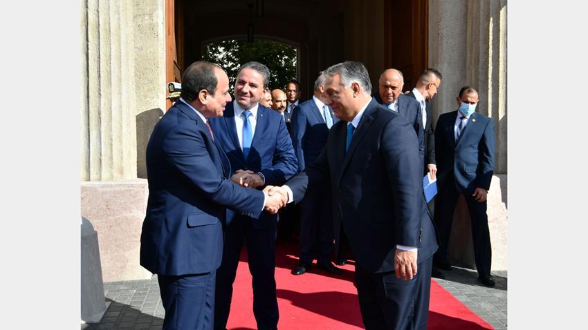 الرئيس عبد الفتاح السيسي يشارك في المؤتمر الصحفي المشترك مع رئيس الوزراء المجري