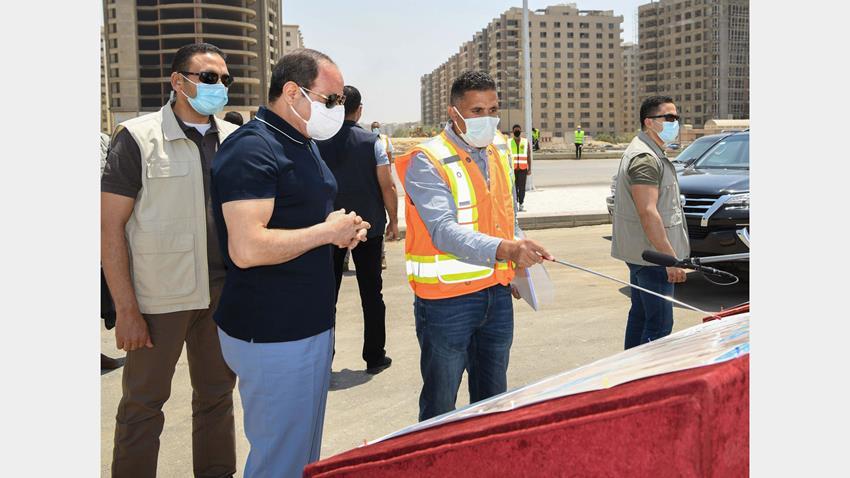 الرئيس عبد الفتاح السيسي يقوم بجولة تفقدية لمتابعة أعمال التطوير للطريق الدائري