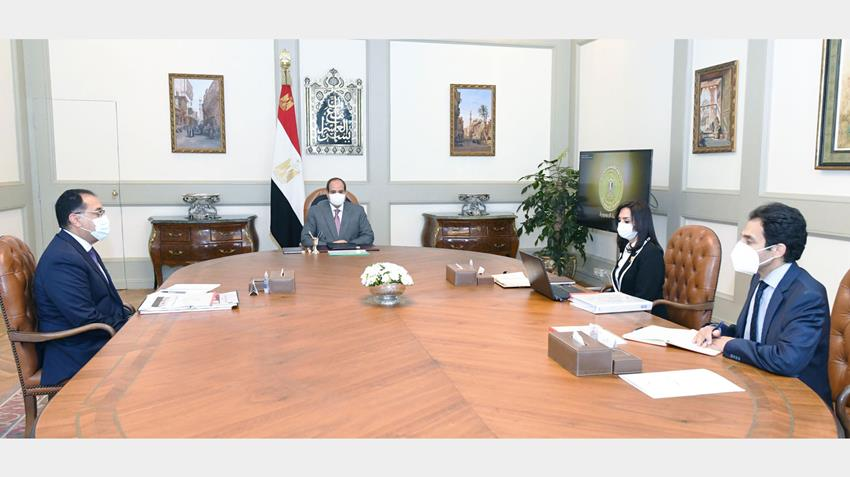 الرئيس عبد الفتاح السيسي يجتمع برئيس مجلس الوزراء ورئيس المجلس القومي للمرأة