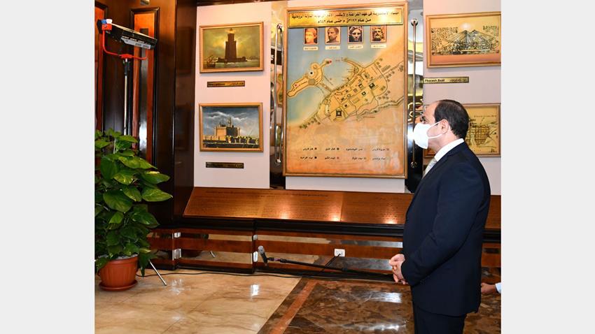 الرئيس عبد الفتاح السيسي يتفقد متحف ميناء الإسكندرية البحري والقاعة التاريخية
