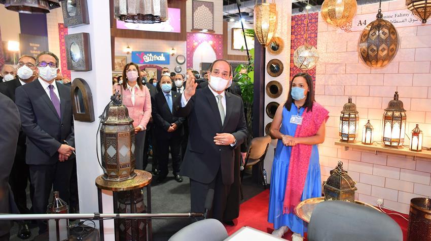 الرئيس عبد الفتاح السيسي يفتتح معرض تراثنا للحرف اليدوية والمنتجات التراثية