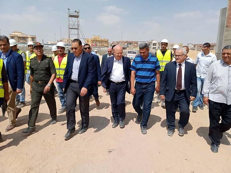 محافظ الشرقية و رئيس جامعة الزقازيق يتفقدان أعمال انشاء مستشفي العاشر من رمضان الجديد