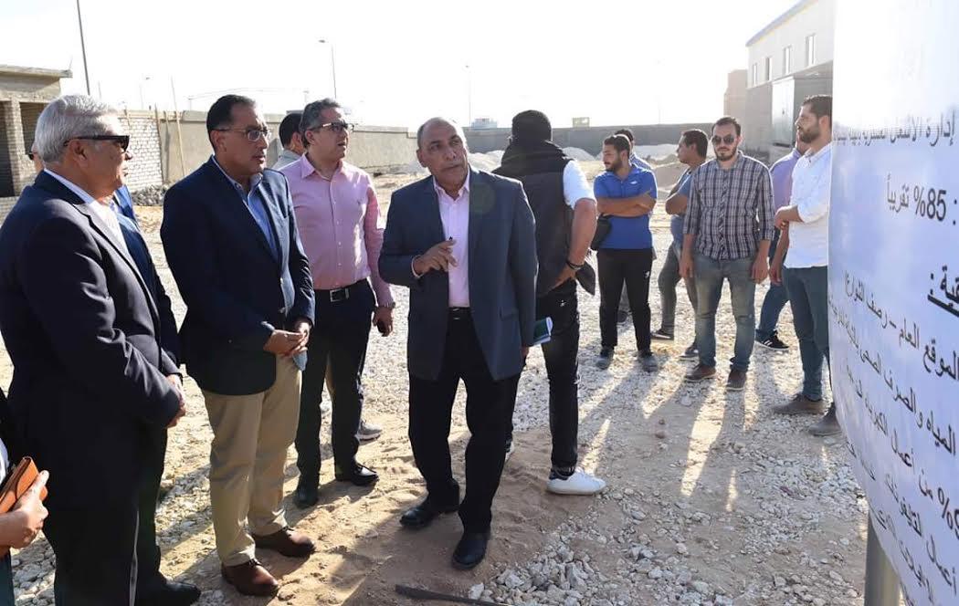 رئيس الوزراء يتفقد مشروع إنشاء مجمع الصناعات الصغيرة والمتوسطة بالمطاهرة بمحافظة المنيا