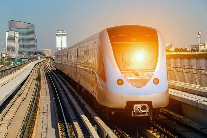 بقيمة 571 مليون دولار ، مصر والصين توقعان عقود مشروع القطار الكهربائي