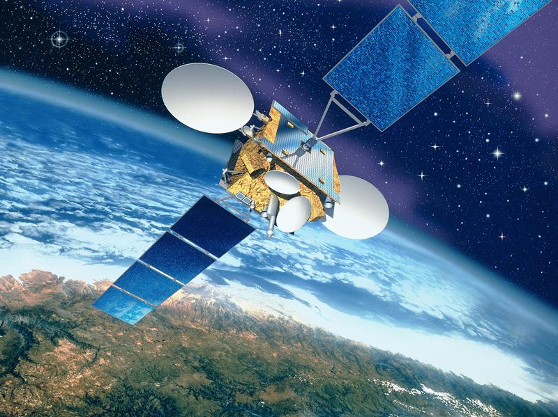مصر توقع عقد القمر الصناعي Nilesat-301 والذي سيحقق التكامل مع القمر TIBA-1