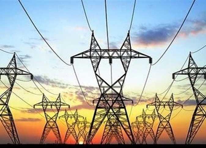 «الكهرباء» تستثمر 1.7 مليار جنيه لتحويل كابلات هوائية إلى أرضية