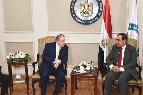 وزير البترول يلتقي رئيس الغرفة العربية الأمريكية لبحث سبل التعاون