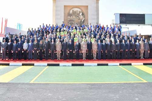 افتتاح الرئيس لأنفاق قناة السويس يعد عبورًا جديدًا