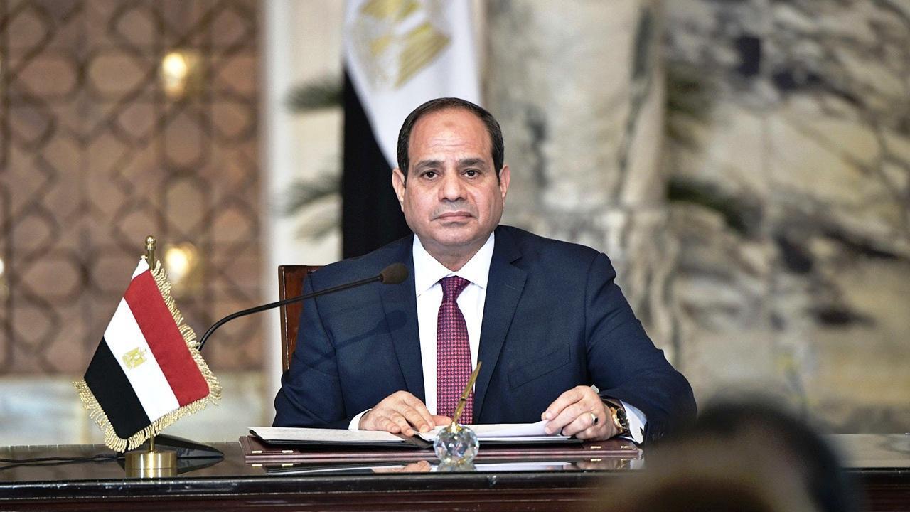 السيسي يتفقد أعمال تطوير محاور شرق القاهرة