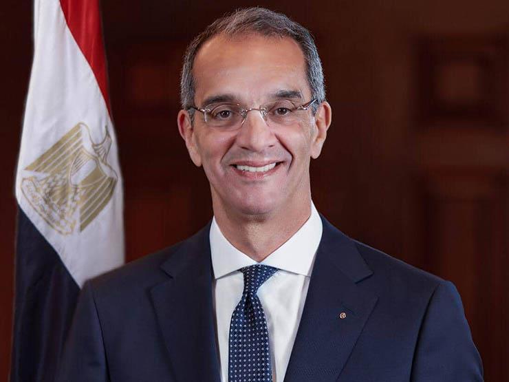 وزير الاتصالات: لدينا 700 ألف مواطن يدخلون على منصة مصر الرقمية
