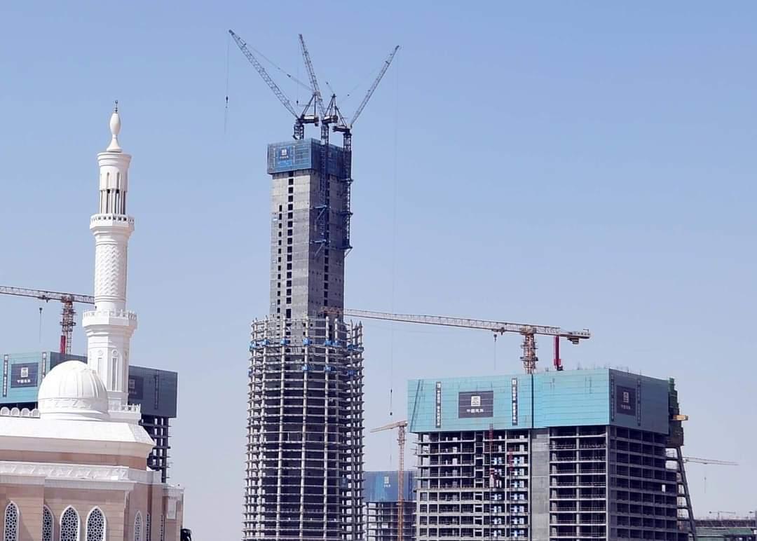 وزير الإسكان يعلن تنفيذ 53 دوراً بالبرج الأيقونى في العاصمة الإدارية الجديدة