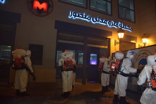 القوات المسلحة تنفذ عمليات التعقيم الوقائى لمجمع مواقف السلام وعبود والمظلات
