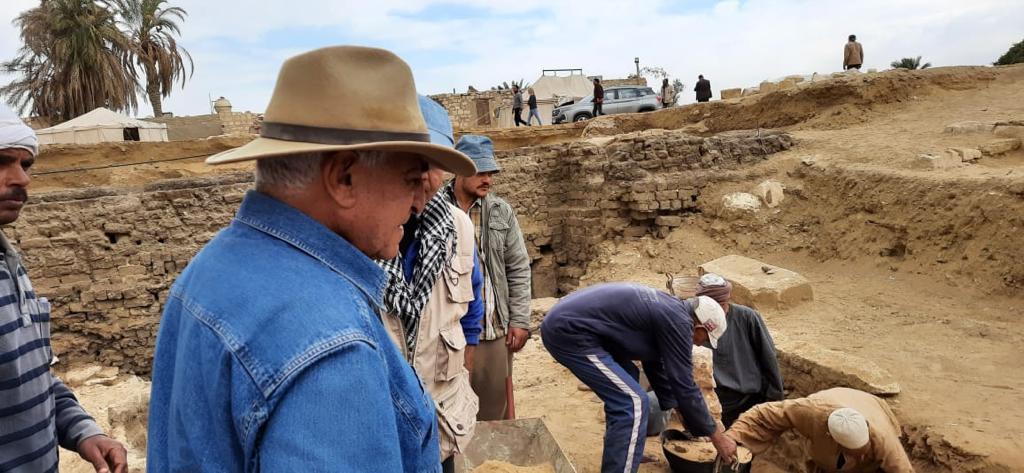 كشف أثرى جديد بسقارة يشمل العثور على آبار دفن ومومياوات فرعونية.. صور