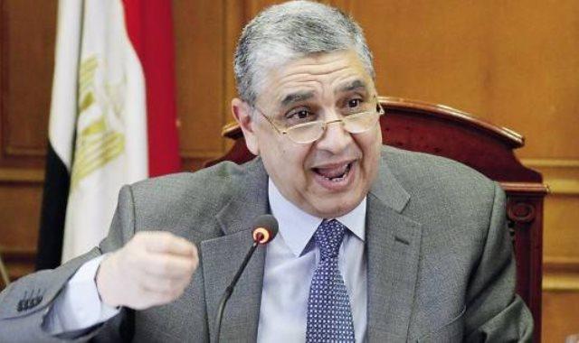 """وزير الكهرباء يعلن الاعتماد على الطاقة المتجددة لاستخراج """"الهيدروجين الأخضر"""""""