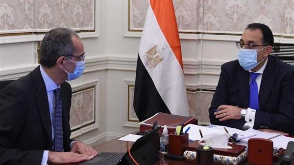 رئيس الوزراء يُتابع مع وزير الاتصالات رفع كفاءة خدمات التليفون المحمول