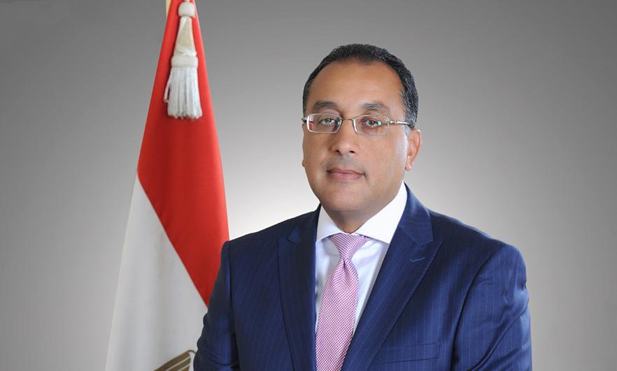 رئيس الوزراء يتابع أعمال تطوير منطقة سور مجرى العيون