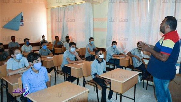 التعليم: درجات امتحان الترم الأول لن تضاف بالمجموع الكلى لطلاب الشهادة الإعدادية