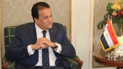وزير التعليم العالى: نعمل على إنتاج 3 أمصال مصرية ضد كورونا فى آن واحد