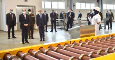 الرئيس السيسى يجرى جولة تفقدية داخل مصانع مجمع الإصدارات المؤمنة والذكية