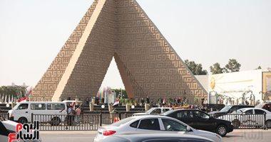 استعدادات مكثفة أمام النصب التذكارى قبل دفن جثمان السيدة جيهان السادات