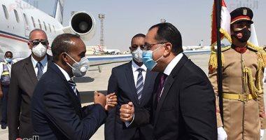 رئيس الوزراء يستقبل نظيره الصومالى بمطار القاهرة