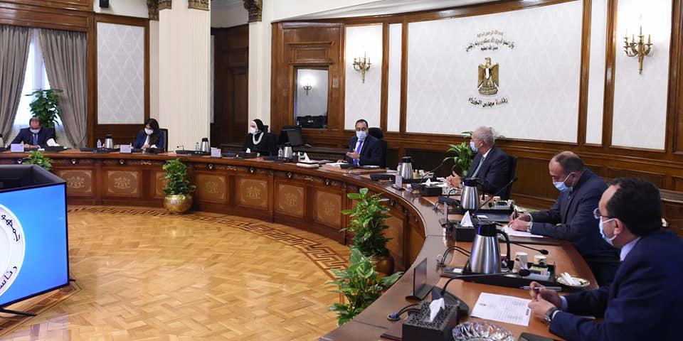 رئيس الوزراء يستعرض مقترحًا لإنشاء مركز لتصنيع السيارات شرق بورسعيد