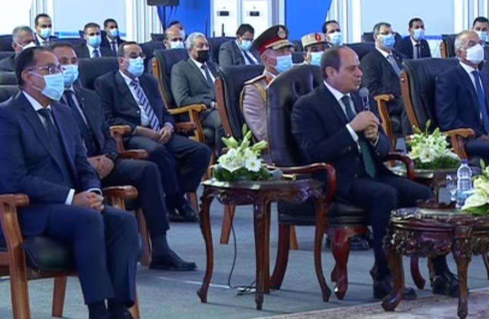 الرئيس السيسي: افتتاح طرق توشكى وشرق العوينات نهاية العام الجاري