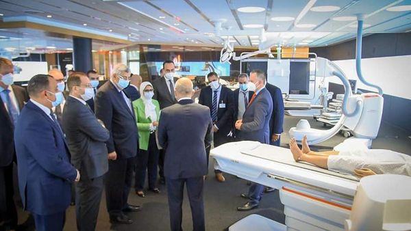 وزيرة الصحة في زيارة المصنع الرئيسي لإنتاج الأجهزة الطبية وأجهزة الأشعة التشخيصية