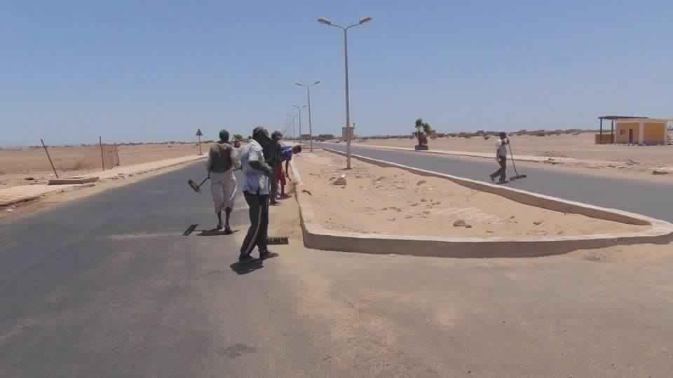 رصف طريق حلايب - رأس حدربة