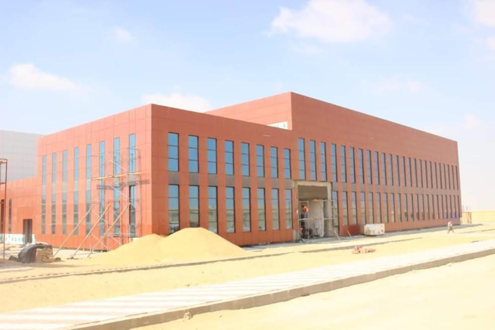 مركز تجميع واختبار الأقمار الصناعية بالعاصمة الإدارية