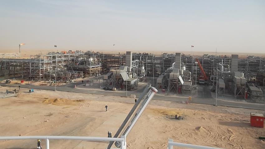 محطة ضواغط غازات حقل القصر بالصحراء الغربية