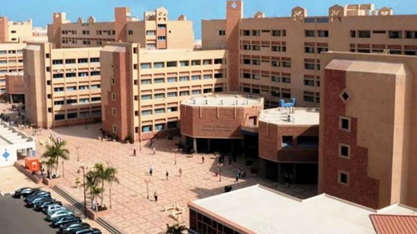 كلية الآداب بمدينة سوهاج الجديدة