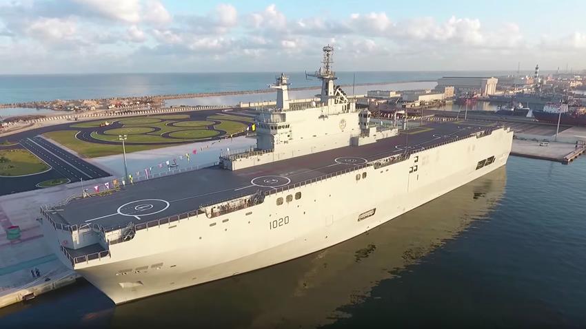 زيادة الغاطس للأرصفة البحرية بقاعدة الإسكندرية البحرية