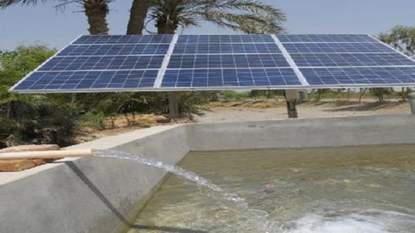 تشغيل ٢٥ بئر جوفي بالطاقة الشمسية بمركز الداخلة