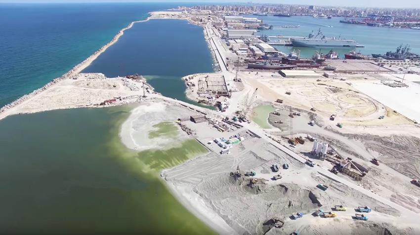 إنشاء ميناء حربي متكامل بقاعدة الإسكندرية البحرية