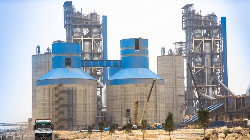إنشاء مجمع مصانع الشركة الوطنية للأسمنت ببني سويف