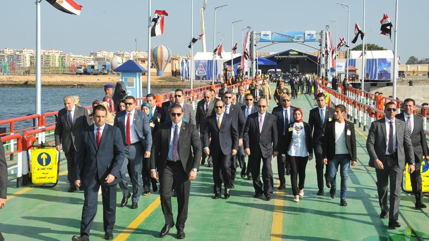 إنشاء كوبري النصر العائم بمحافظة بورسعيد