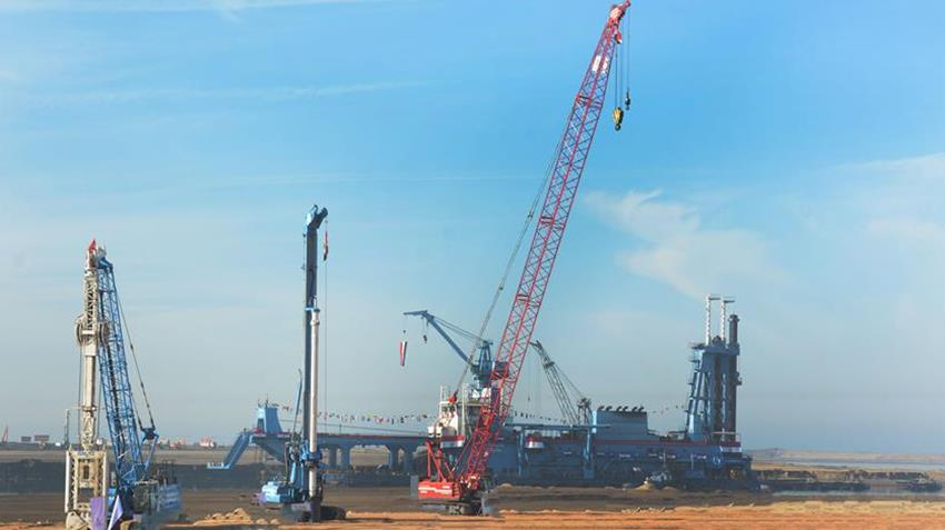 تدشين المرحلة الأولي لتنمية منطقة قناة السويس