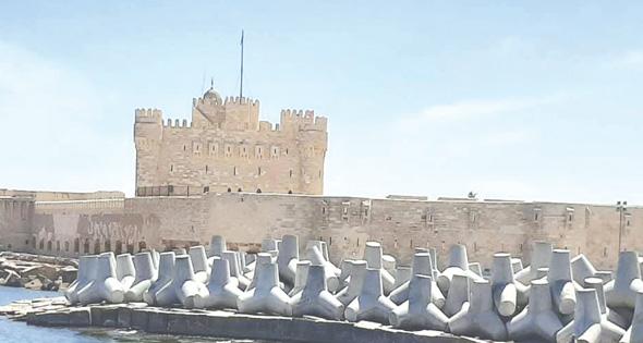 ممشى سياحى ومعرض مائى مفتوح « قلعة قايتباى »