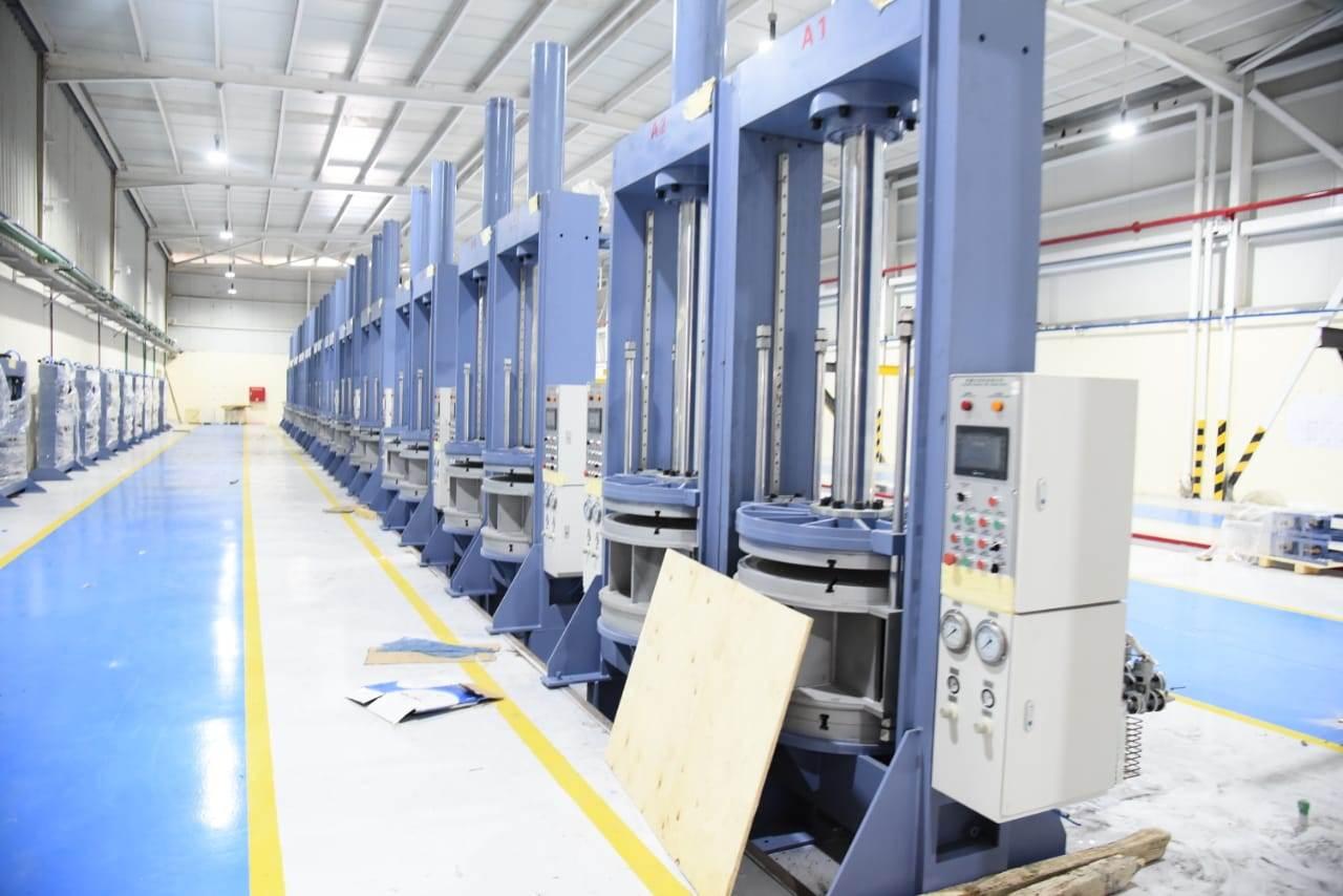 مصنع بيراميدز لإنتاج الإطارات