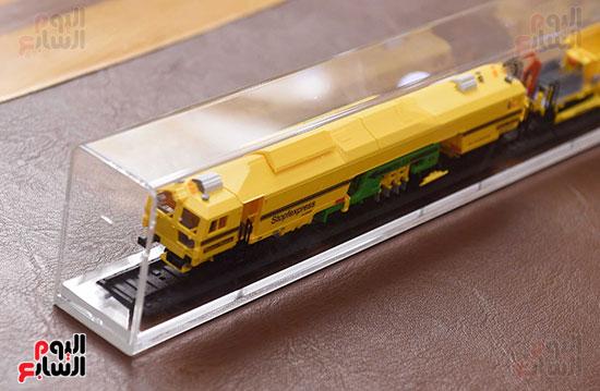 تعاقد استيراد ماكينة فحص السكك الحديدية  EM100u